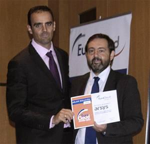 Juanjo García Cabrera, Director de Grandes Cuentas de arsys, recibió el premio en el encuentro Cloud Day, celebrado en Barcelona el 4 de octubre de 2012.