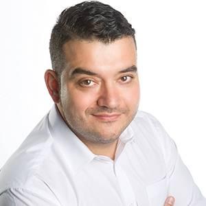 Manuel León